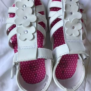 Other - EUC white sandals for girls
